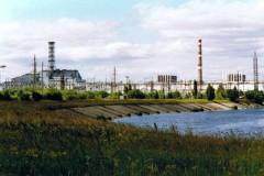 v.r.n.l Blöcke 1, 2, 3 und 4 des Kernkraftwerks, die Blöcke 1 und 2 wurden erst in den 90er Jahren abgeschaltet