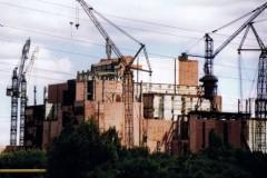 die Blöcke 5 und 6, die zur Zeit des Unglücks im Bau waren, wurden nie fertiggestellt und werden jetzt demontiert